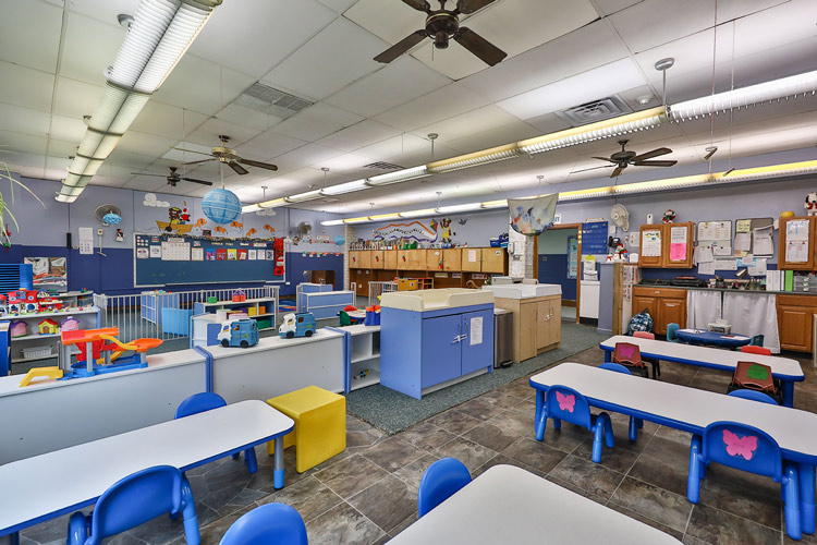 fozzie bear daycare room